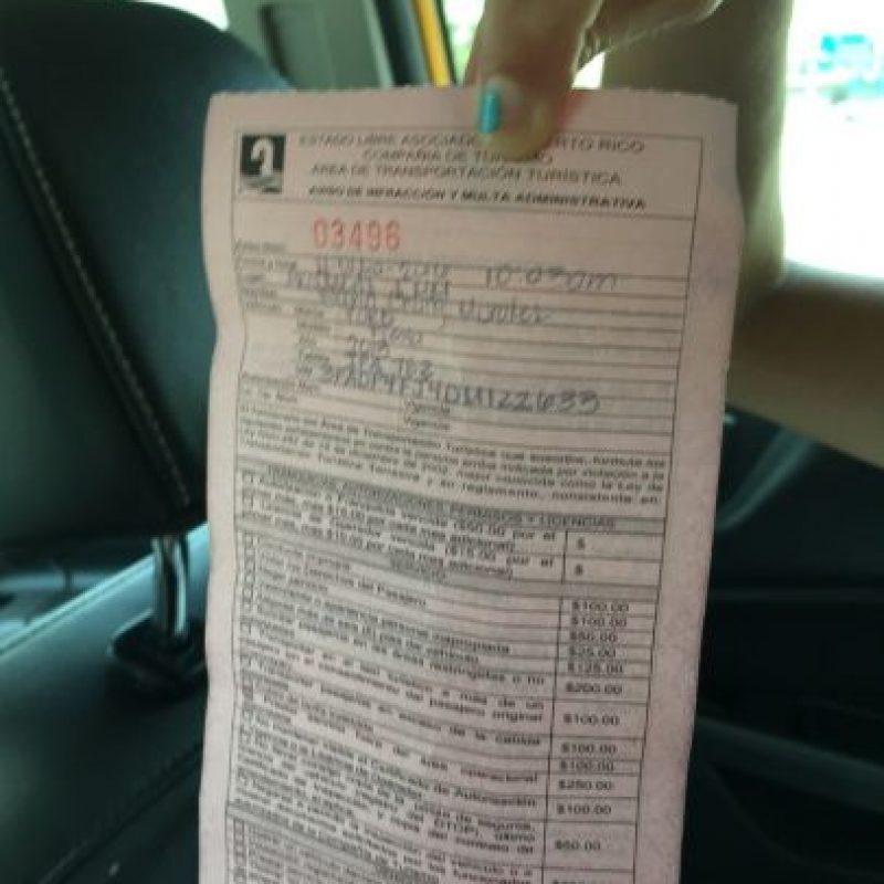 Vista de la multa emitida por la Compañía de Turismo a Melvin Chung. Foto:Metro. Imagen Por: