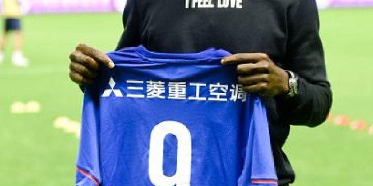 Exgoleador del Chelsea sufre escalofriante lesión en China