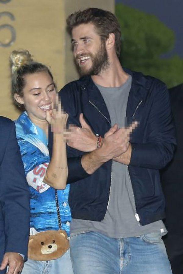 Miley y Liam se pusieron groseros con los medios Foto:The Grosby Group. Imagen Por: