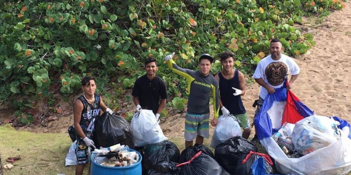Realizan limpieza en Playa Escondida en Vega Alta