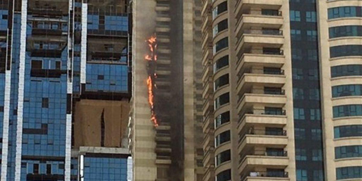 Se incendia rascacielos en Dubái