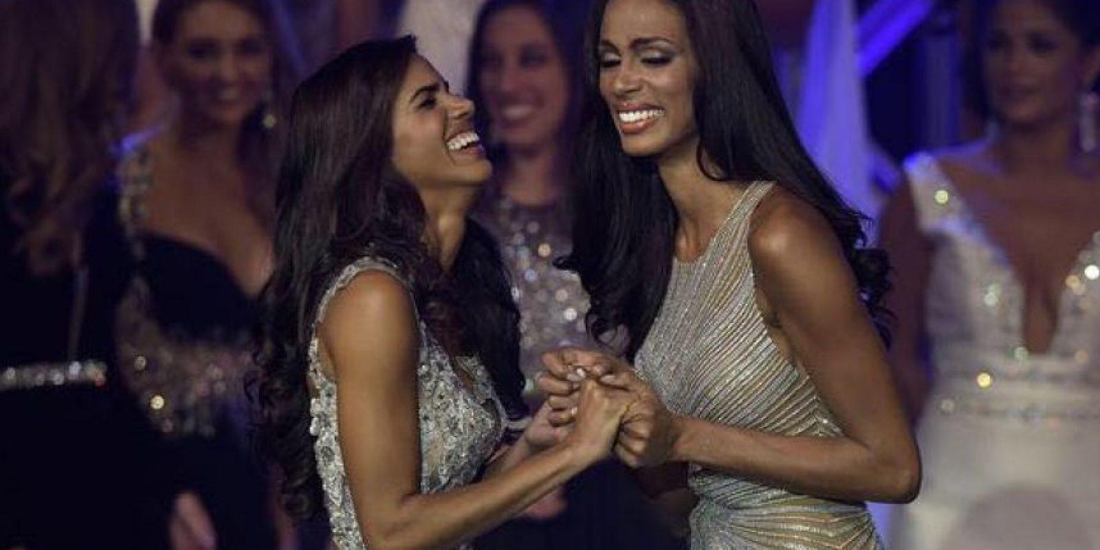 Génesis Dávila (derecha) ganó el certamen el pasado viernes. Linette de los Santos (izquierda), es la nueva reina de Florida. Foto:Vía Facebook. Imagen Por: