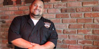 Luis Román, propietario del restaurante Campus Grilled. Foto:David Cordero. Imagen Por: