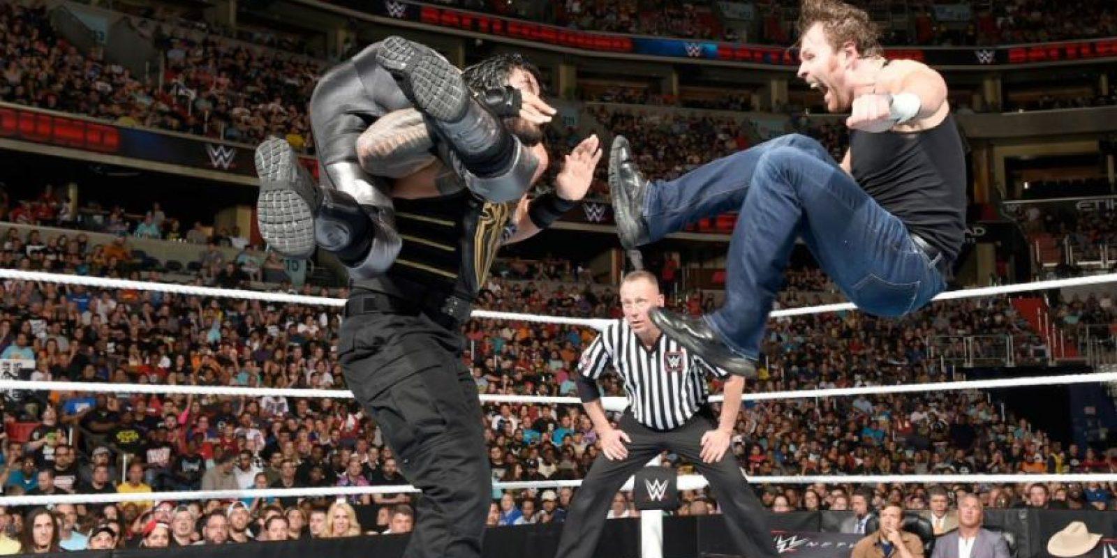 Dean Ambrose retuvo el Campeonato de WWE ante Seth Rollins y Roman Reigns Foto:WWE. Imagen Por: