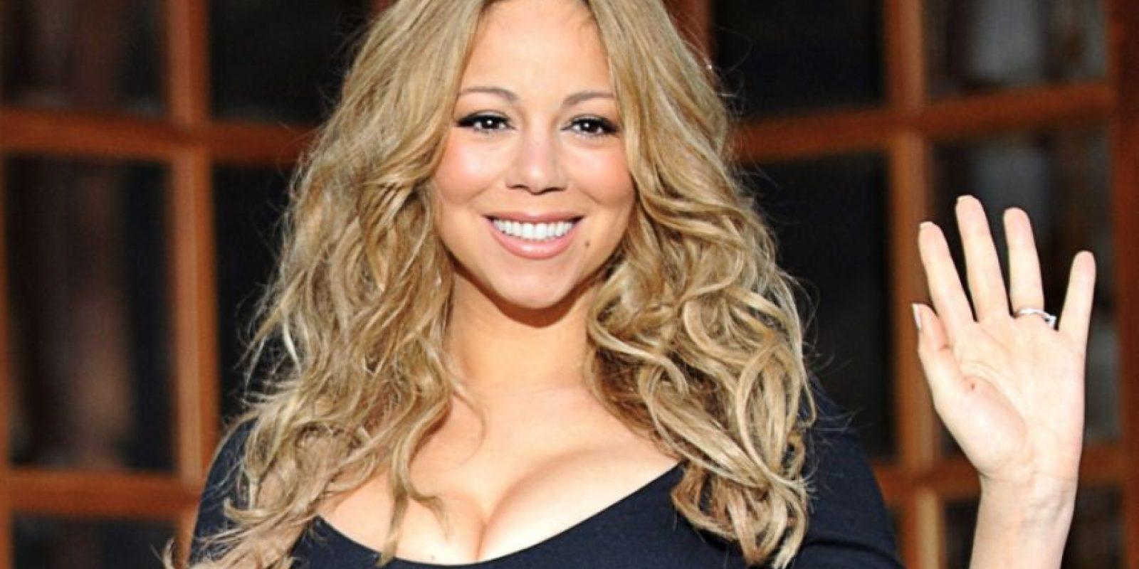 Mariah Carey pide agua mineral para llenar su tina y pide que la taza del baño sea cambiada porque quiere una nueva. Foto:vía Getty Images. Imagen Por: