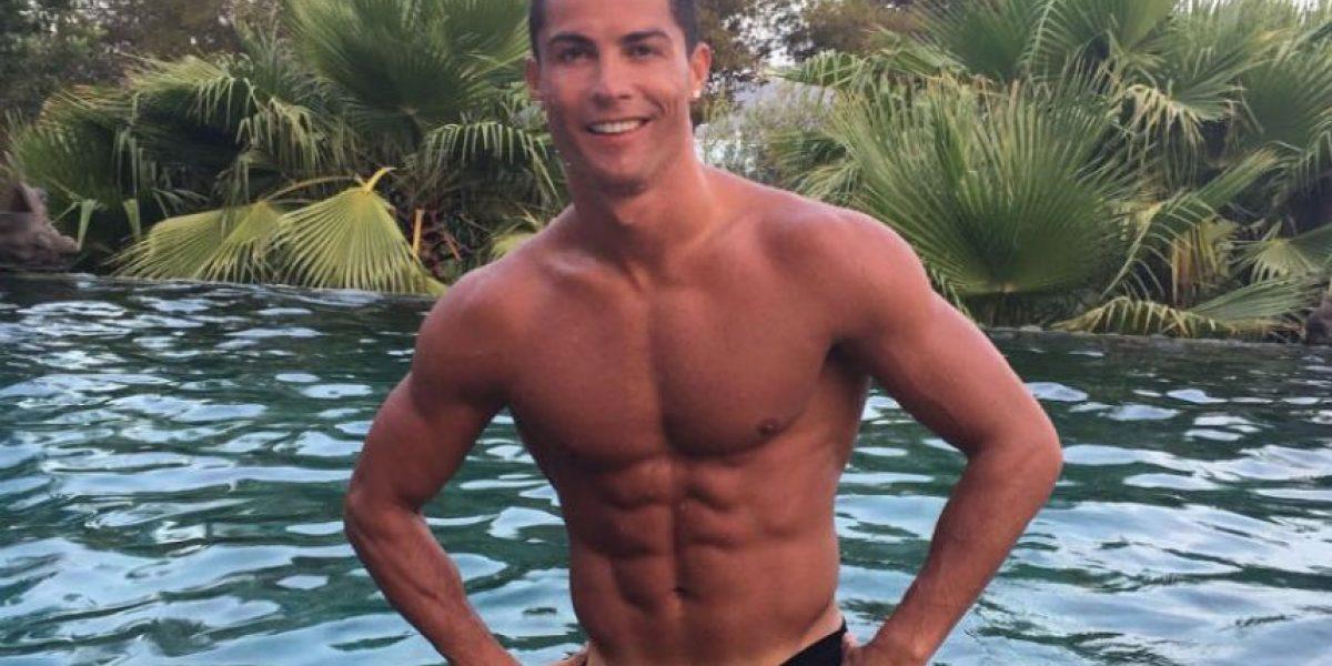 Cristiano empuja a fan que quería un selfie