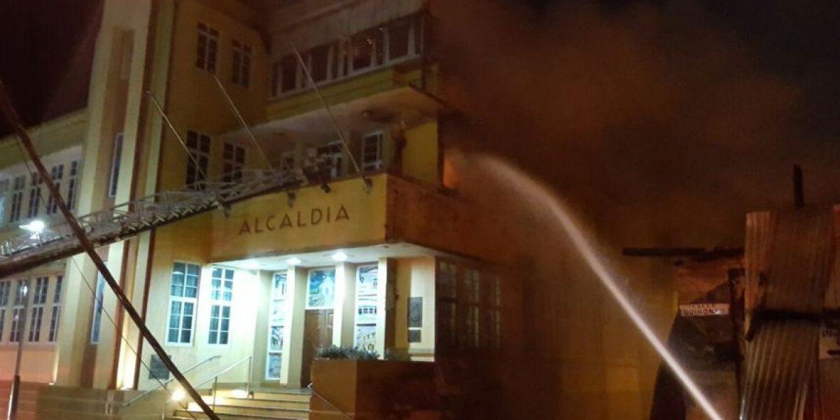 Se incendia la Casa Alcaldía de Manatí