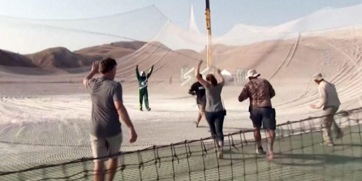 Hombre hace historia al saltar sin paracaídas