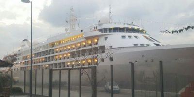 Así es el lujoso crucero Silver Cloud Foto:Vía twitter.com/muelleuno. Imagen Por:
