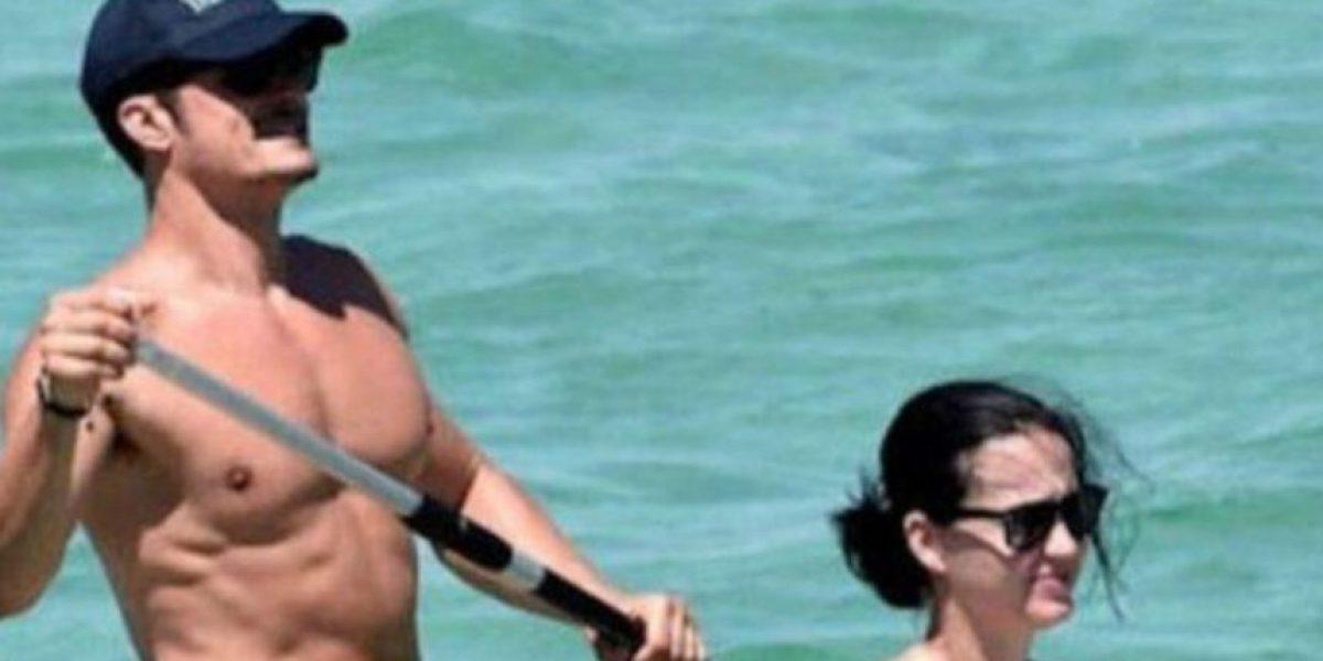 Orlando Bloom incómodo tras fotos virales de su miembro sexual