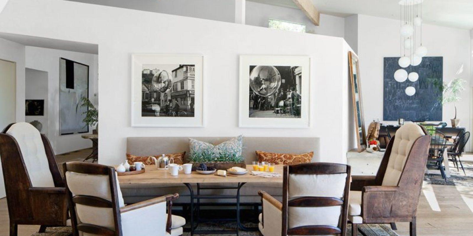 Apartamento del actor Patrick Dempsey en California. Decoración por Estee Stanley | Fotografías por Melvin Sokolsky | Mesa Teak Nichols | Sillas Lucca Antiques Foto:Architectural Digest. Imagen Por: