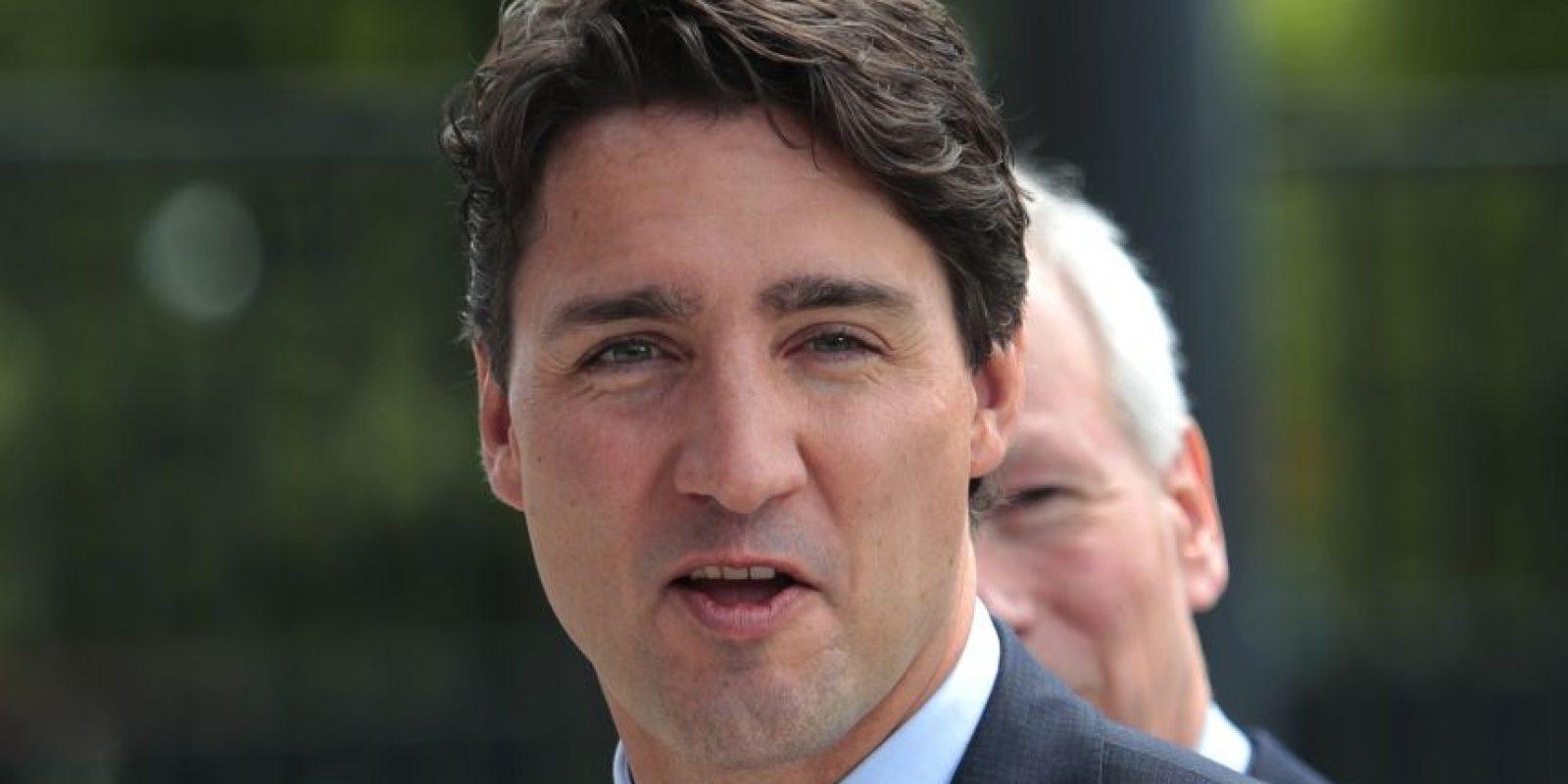 Trudeau, de 44 años de edad, asumió el cargo en noviembre y porta uno de los apellidos más famosos de la historia política canadiense. Su difunto padre fue primer ministro durante la mayor parte del periodo entre 1968 y 1984, y sigue siendo el político canadiense más reconocido. Foto:AP. Imagen Por: