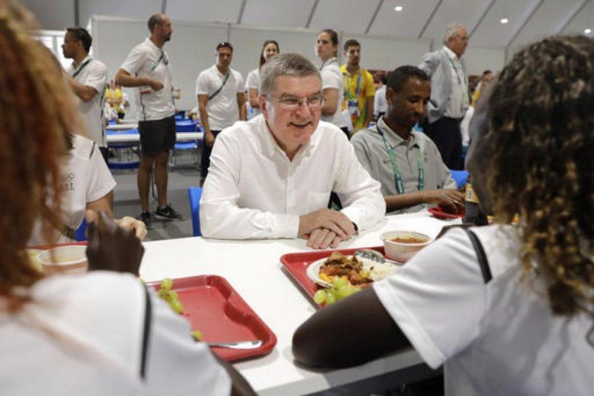 Los atletas pueden consumir platillos típicos de Brasil Foto:AP. Imagen Por: