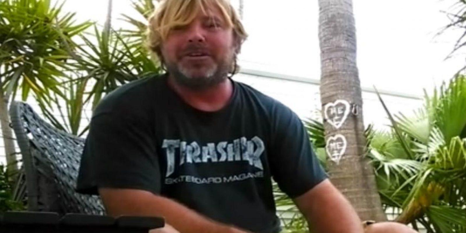Y él Eddie, su padre. Foto:YouTube/PrankNation. Imagen Por: