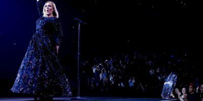 La cantante se negó a ser la estrella del Super Bowl en 2017 Foto:Instagram @adele. Imagen Por: