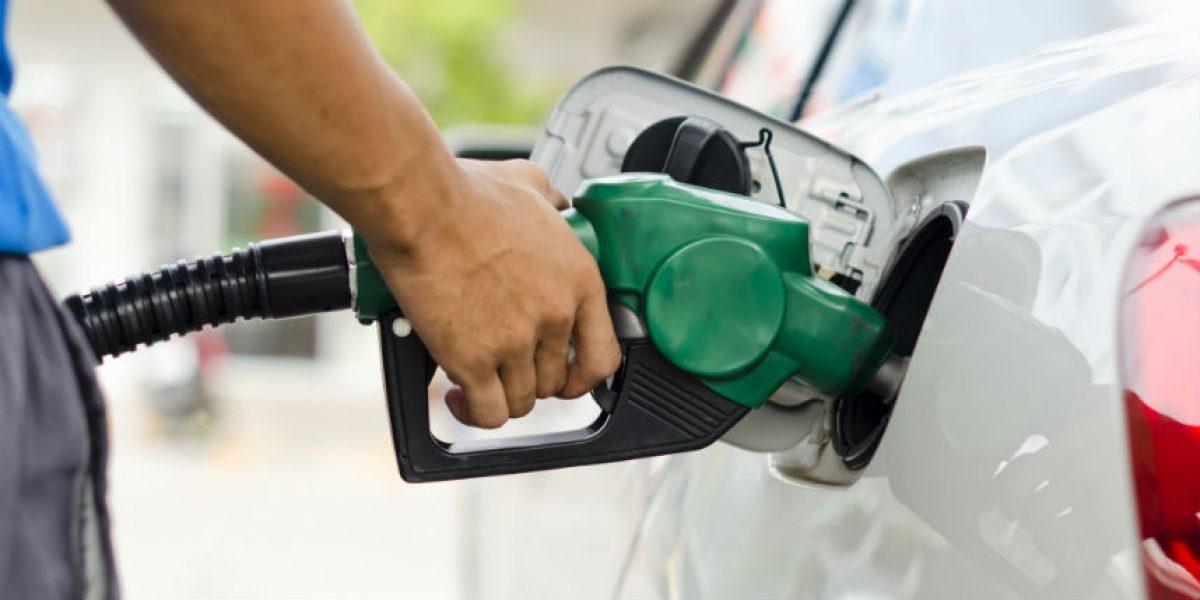Reportan leve aumento en la gasolina