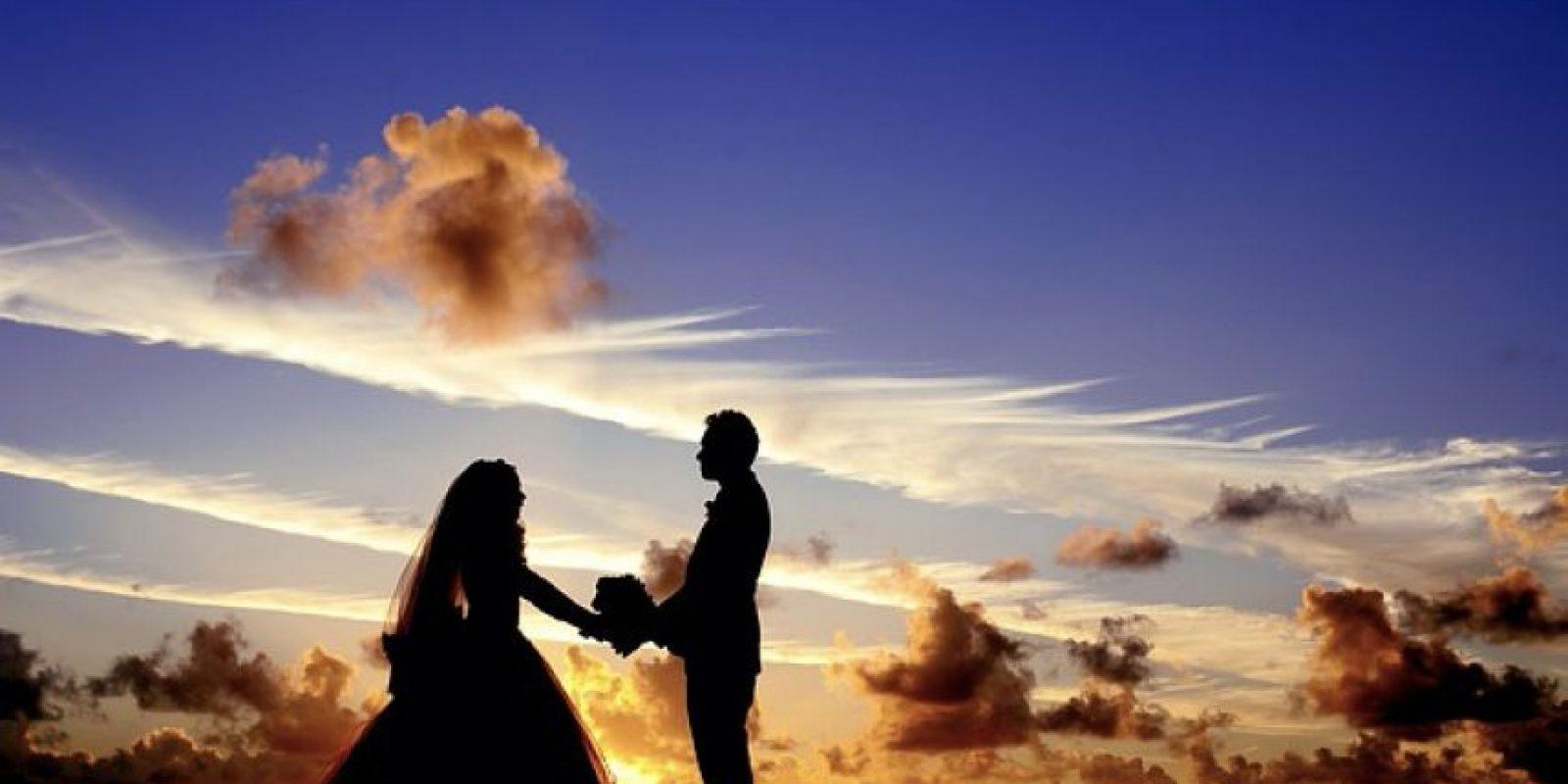 Para los adultos jóvenes que ya habían salido de esa primera relación, tanto los hombres y las mujeres sintieron refuerzos emocionales similares al mudarse con su segunda pareja o al casarse con ellos. Foto:Pixabay. Imagen Por: