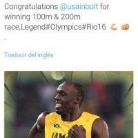 """Michael Essien también se rindió ante Bolt: """"Felicidades por ganar las carreras de 100m y 200m. Leyenda"""" Foto:Twitter. Imagen Por:"""