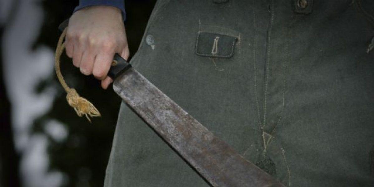 Agrede a machetazos a su esposa y su suegra en Florida
