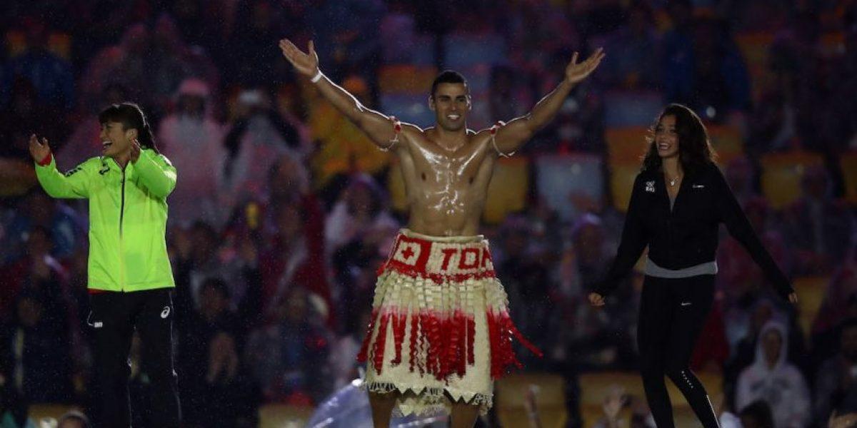 Atleta de Tonga cierra Juegos Olímpicos con otro revelador atuendo