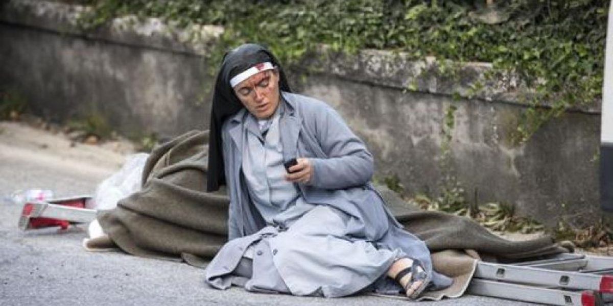 Fuerte sismo en Italia deja decenas de muertos
