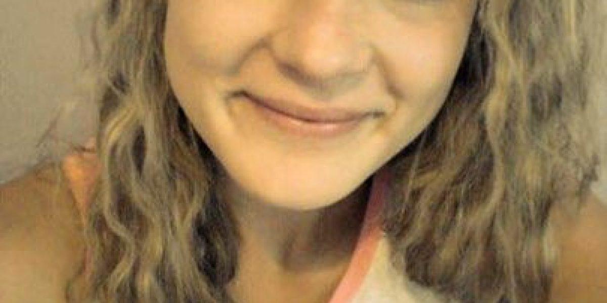 Joven fugitiva pide a la policía cambiar su foto porque se ve fea