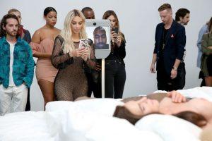 Kanye West estuvo desde una videollamada Foto:Getty Images. Imagen Por:
