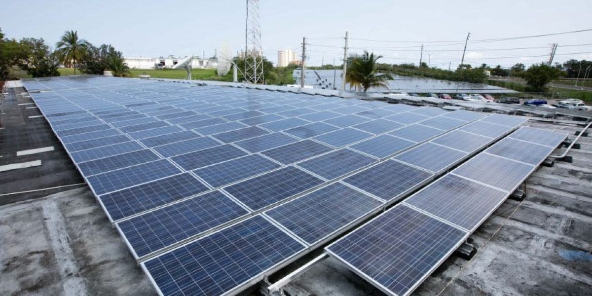 Liberty se mueve a la energía solar en Luquillo