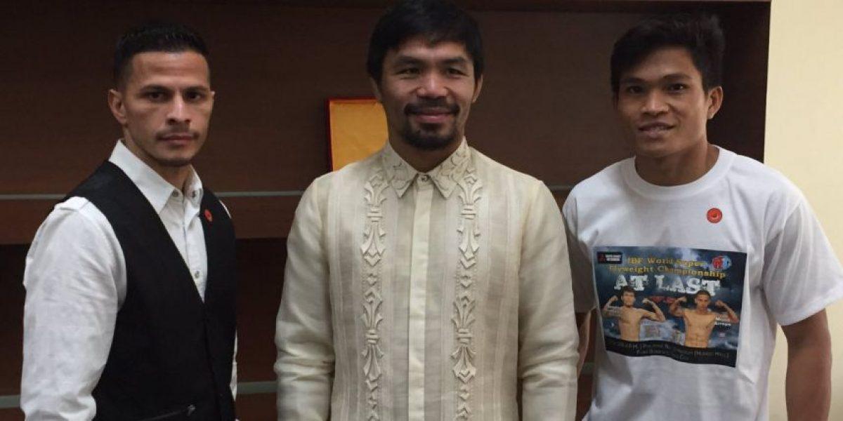 De cara a cara McJoe con su oponente en Filipinas