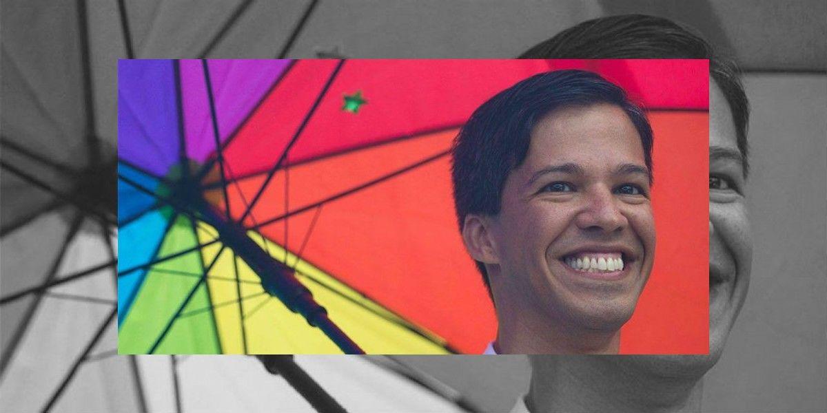 Se disculpa Pedro Julio Serrano tras controversia sobre personajes estereotipados
