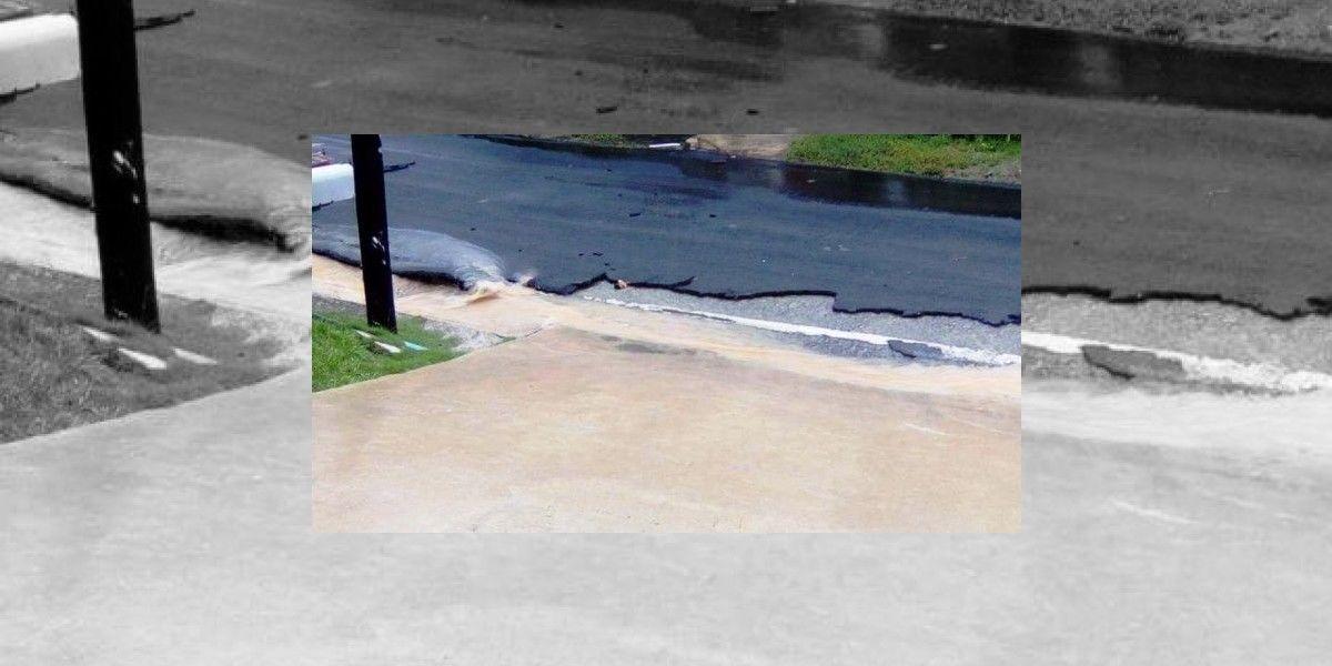 """Denuncian """"destrucción"""" de carreteras recién asfaltadas en Utuado"""