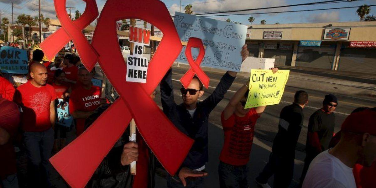 Demandará a su padre por inyectarle VIH cuando era bebé