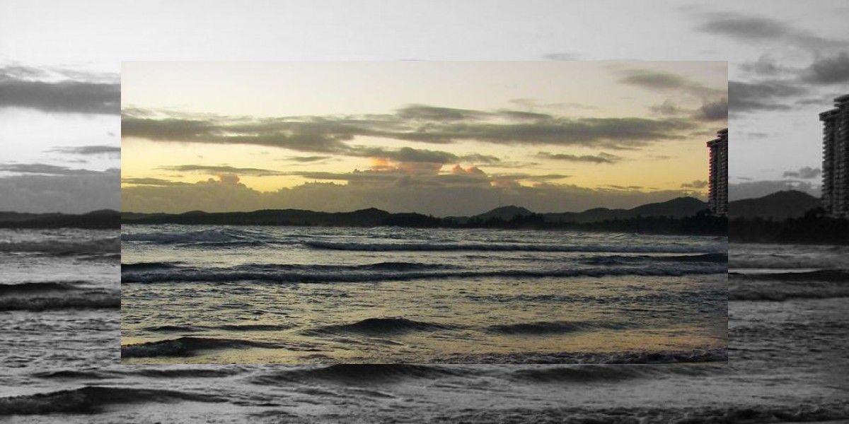 Ocho playas contaminadas