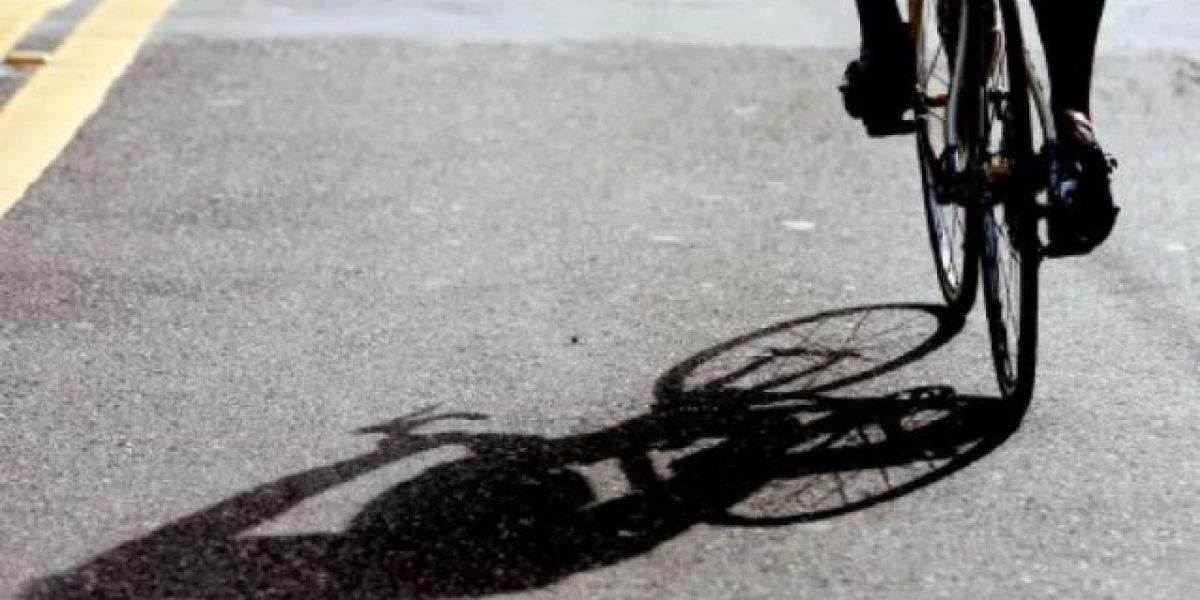 Conductor huye al atropellar fatalmente a ciclista en Salinas