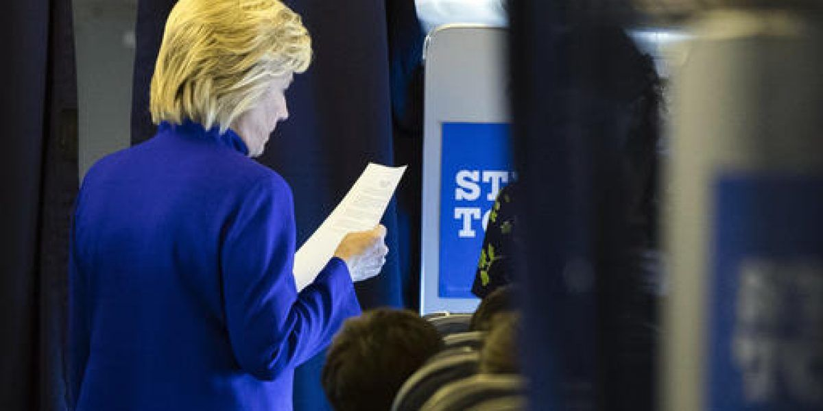Clinton avanza en zonas republicanas y Trump clama fraude