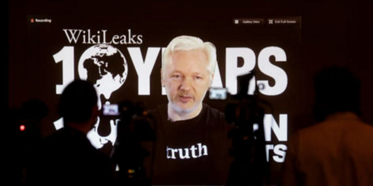 Ecuador reconoce corte de internet a Assange
