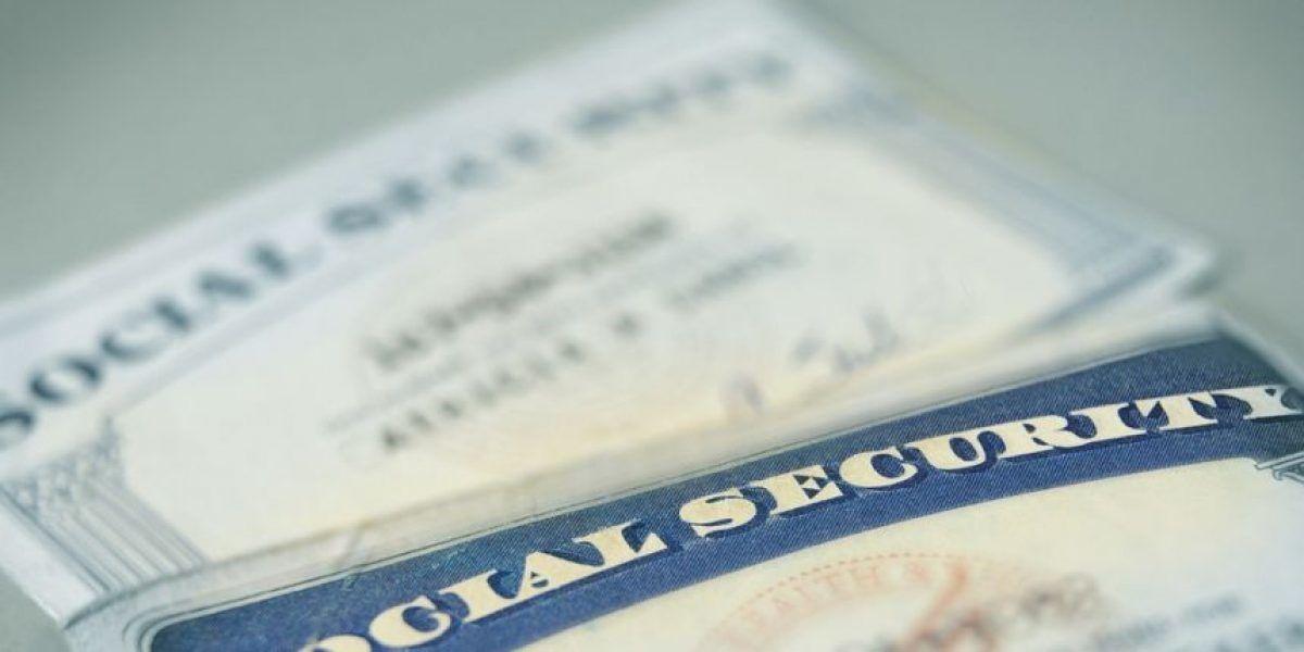 Beneficiarios de Seguro Social reciben pequeño aumento