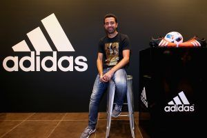 Xavi opens adidas zone in the new flagship Go-Sports Store in the Mall of Emirates Dubai. Imagen Por: