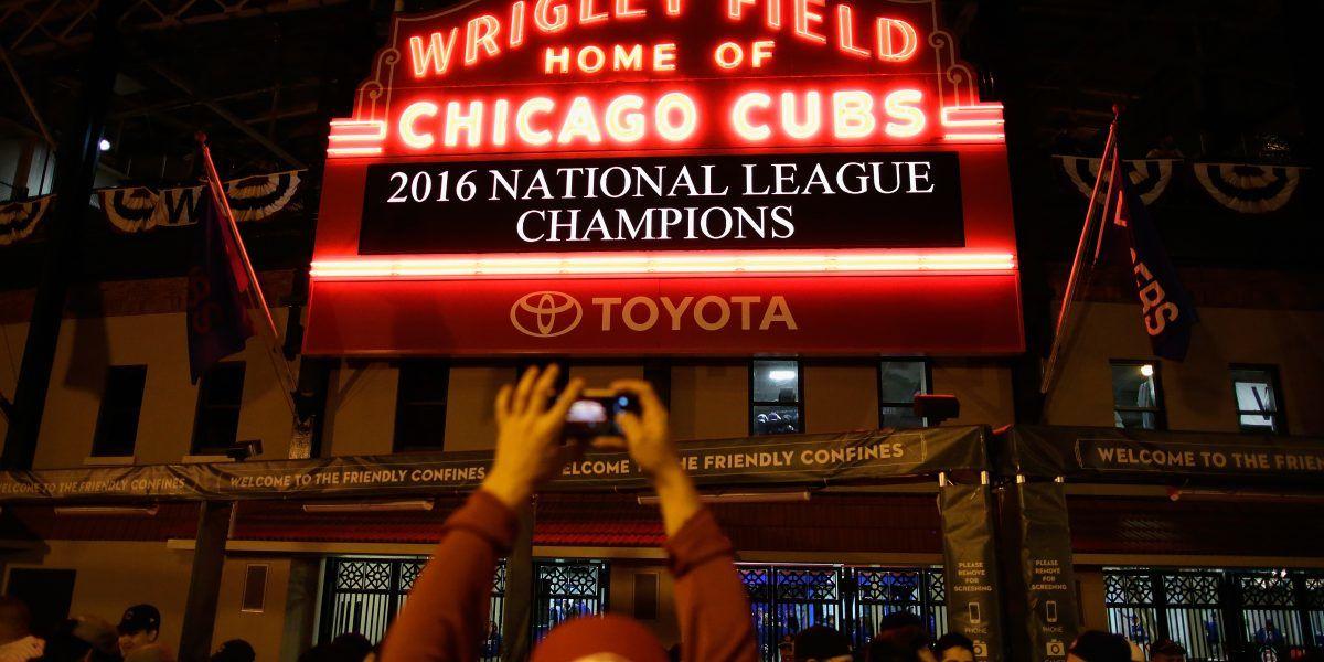 Masiva la celebración en Chicago por los Cachorros entrar a la Serie Mundial