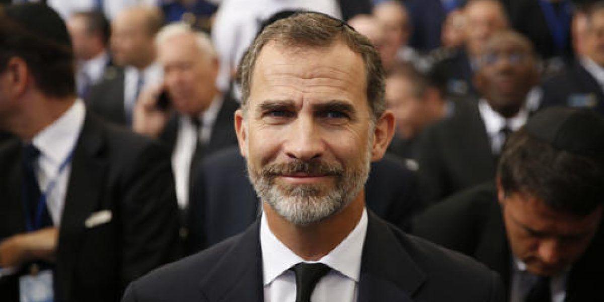 Rey de España recibe a grupos políticos ante fin del bloqueo