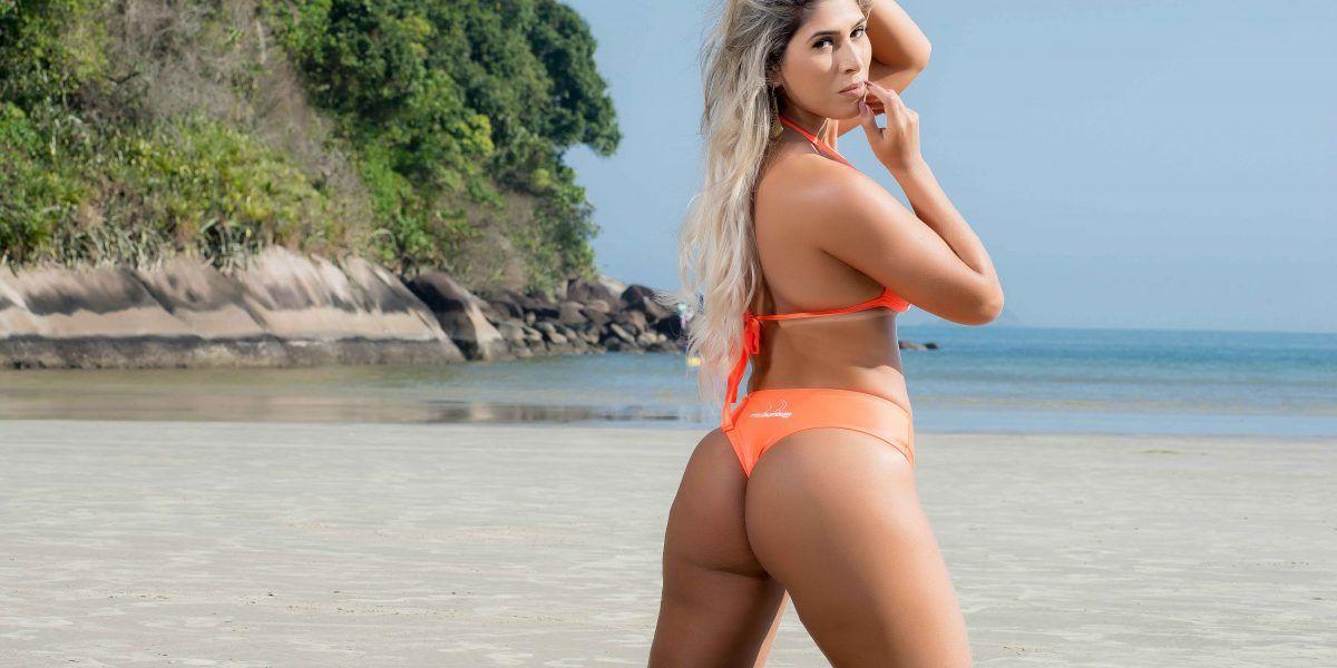 Recrean La Última Cena en bikini y causan polémica