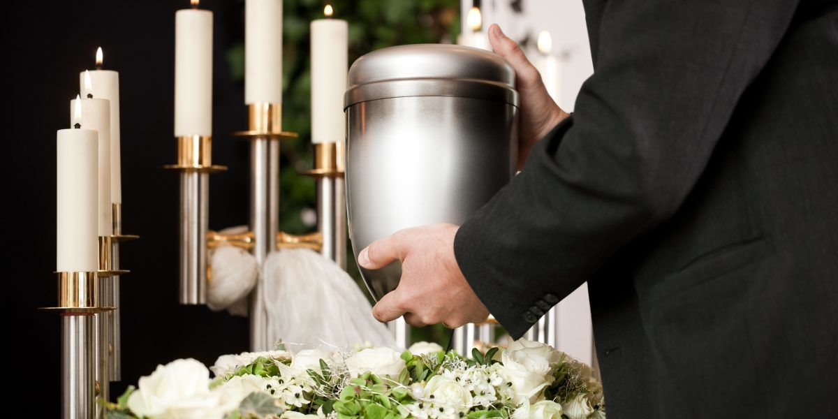 Vaticano: Prohibido esparcir cenizas de cuerpo cremado