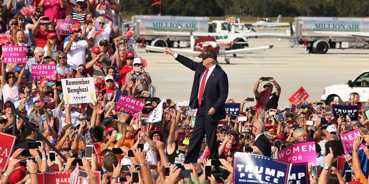 Trump ataca con fuerza el Obamacare