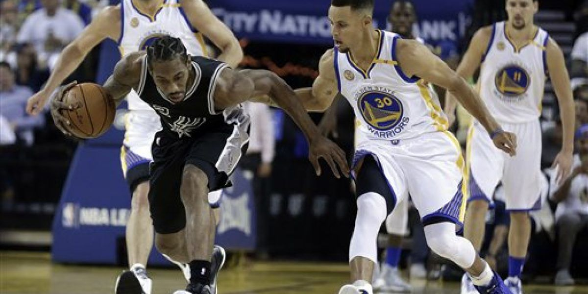 Spurs aguan debut de Kevin Durant en los Warriors
