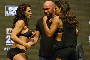 WWE vs. UFC: Peleadora reta a Sasha Banks o Charlotte. Imagen Por: Getty Images
