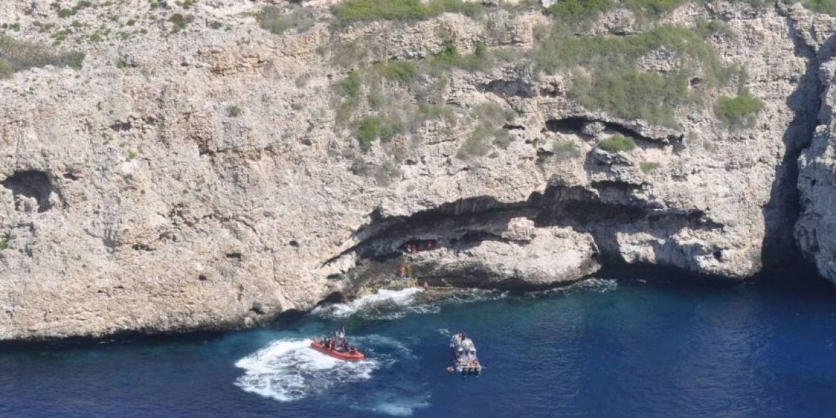Rescatan 14 inmigrantes cubanos varados en la Isla de Monito