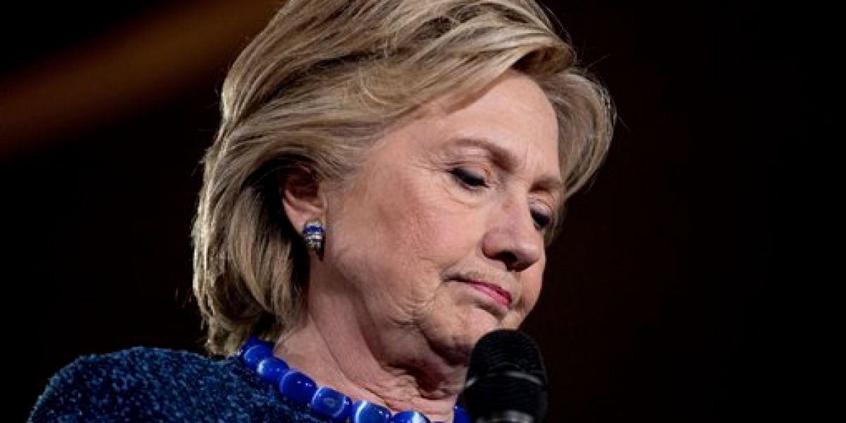 Clinton trata de apaciguar nueva polémica sobre su correo