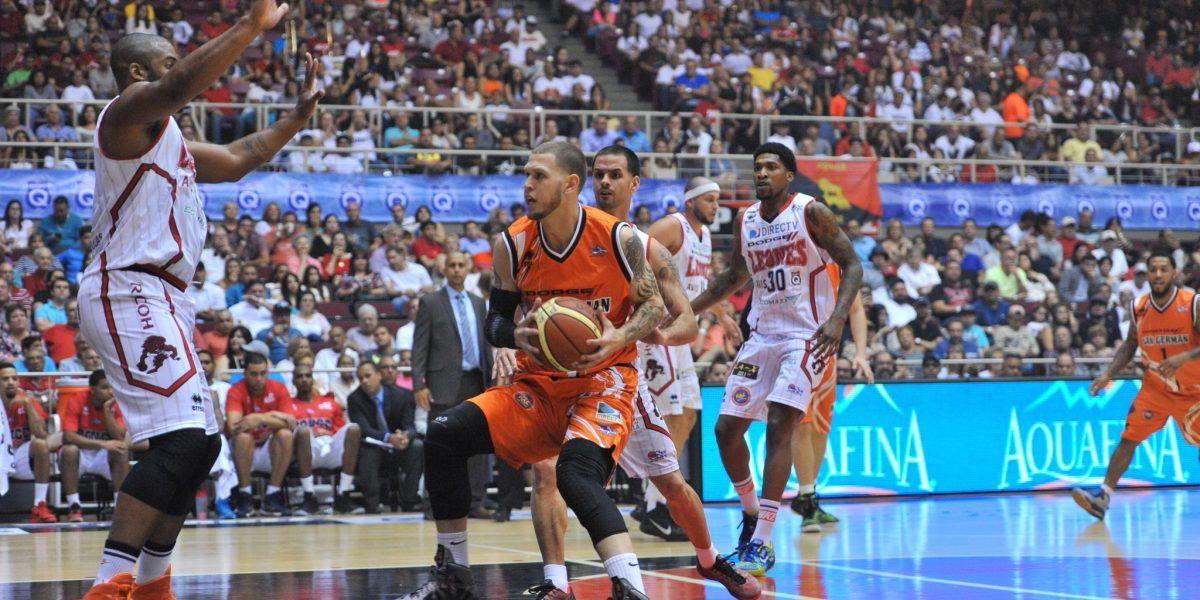 Escogen a Santiago en el sorteo del D-League de la NBA