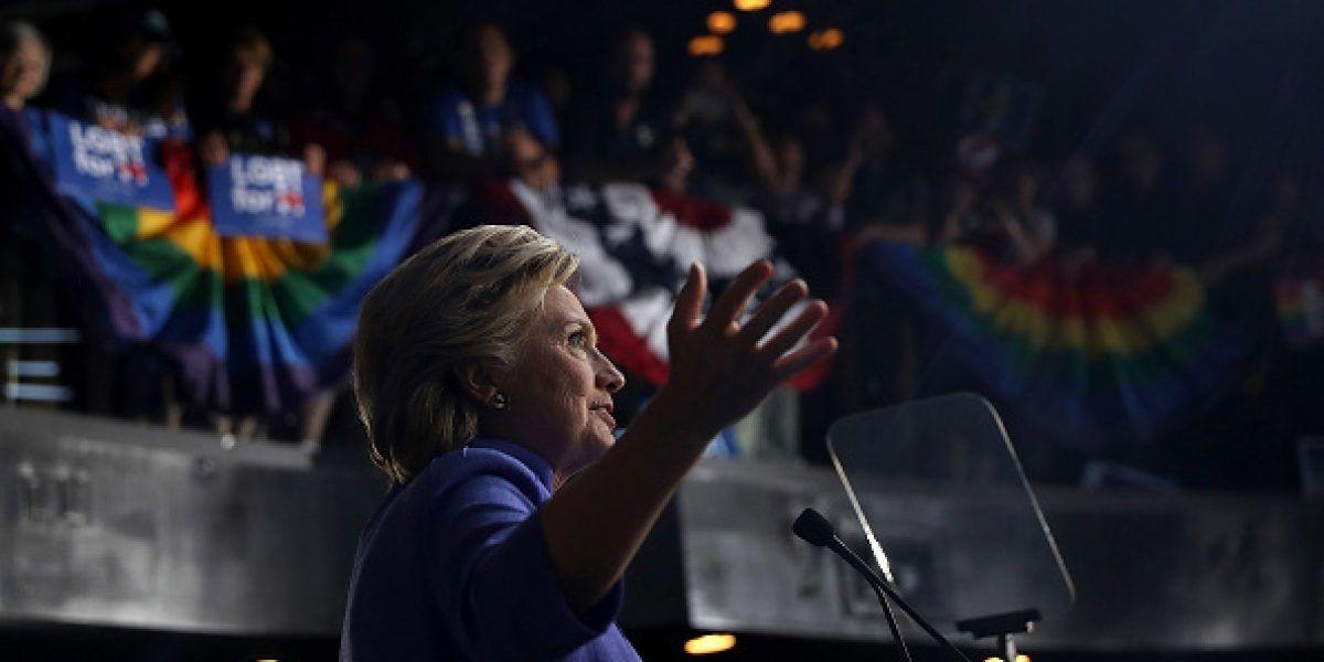 FBI sabía hace semanas sobre nuevos correos de Clinton