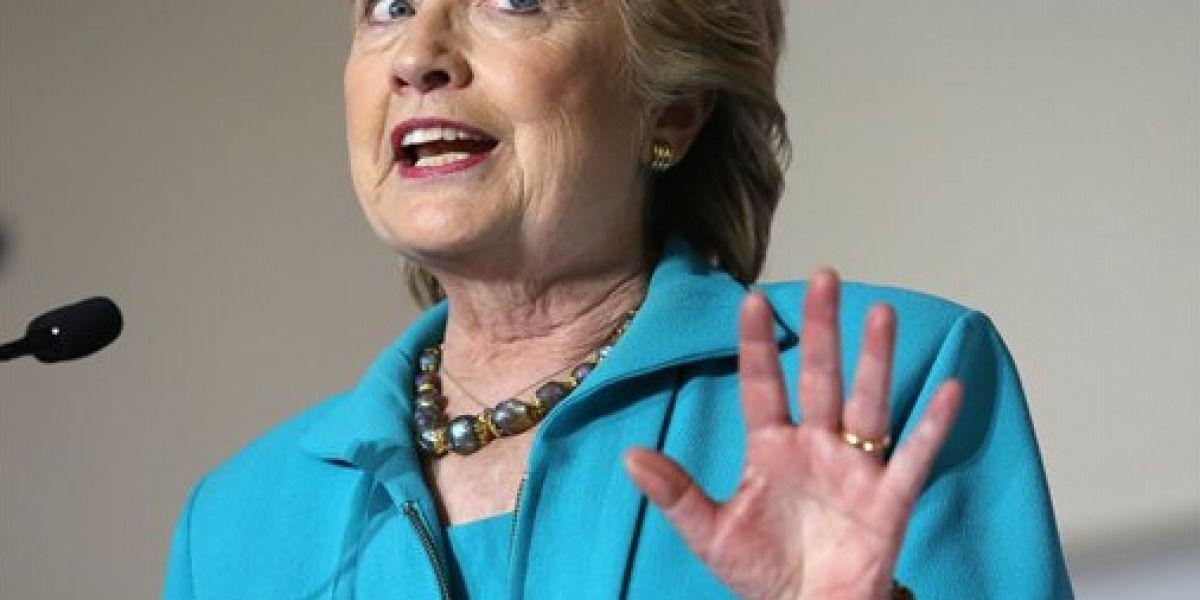 Equipo Clinton: FBI debe revelar más sobre los correos